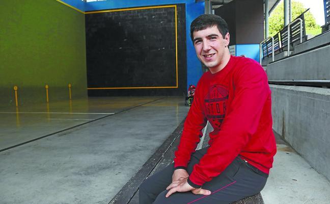 Aitor Aranguren: «Todavía voy con la ama a entrenar porque no se fía de mí con el coche»