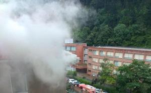 Aparatoso incendio en Ondarroa