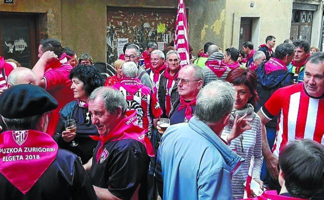 Animada fiesta Gipuzkoa Zurigorri