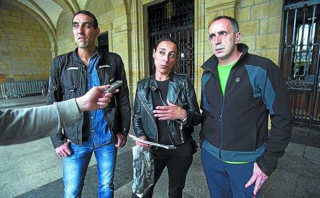 Los asentadores del mercadillo piden garantías de poder preservar su puesto