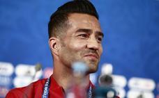 Masoud regatea hablar del veto a la mujer en el fútbol