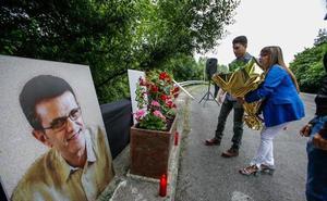 La familia de Puelles exige a los políticos que no hagan concesiones a ETA «porque ahora ha dejado de matar»