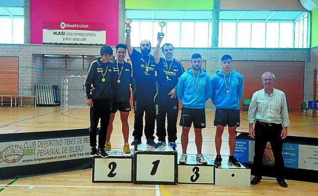 El Márpex logra cinco medallas en el campeonato vasco de tenis de mesa