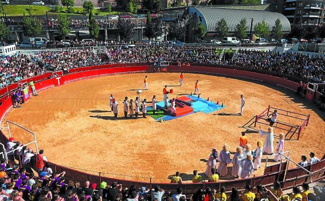 El Urola organiza un torneo de balonmano-playa en la plaza de toros