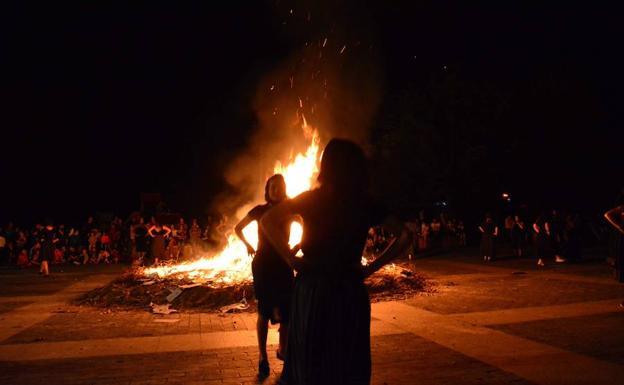 Decir Feliz Navidad En Vasco.La Primera Ola De Calor Llegara Con Las Hogueras De San Juan