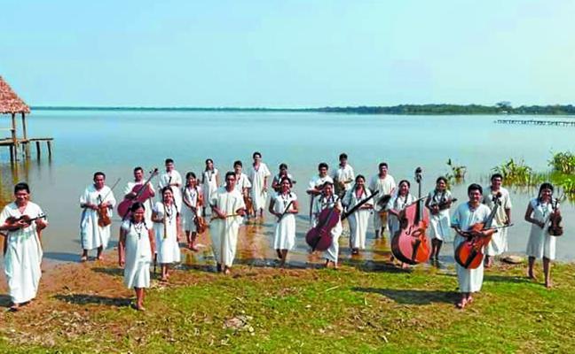 Ensamble Moxos trae a Bastero música y espectáculo de la Amazonia boliviana