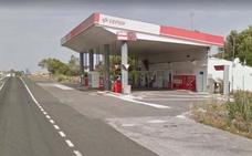 Hallan el cadáver de una mujer alemana con signos de violencia junto a una gasolinera alavesa