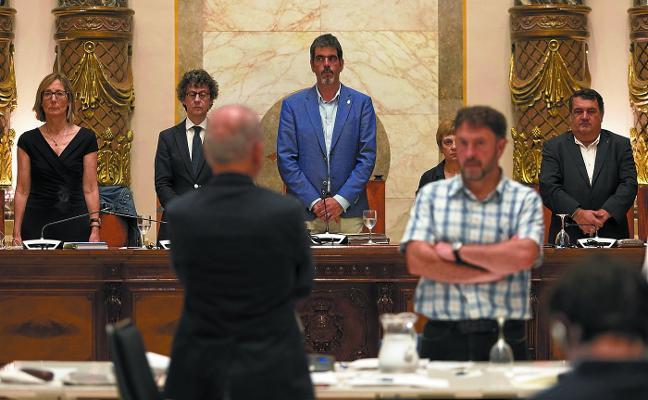 El Pleno rechaza la petición de Competencia de retirar la ordenanza de pisos turísticos