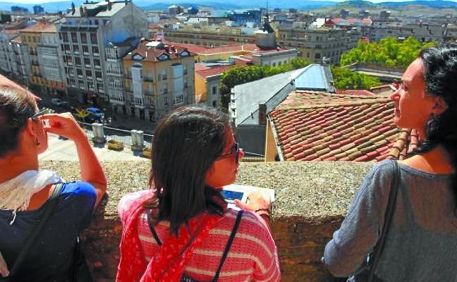 La iglesia de San Vicente reabre su torre para las visitas este verano