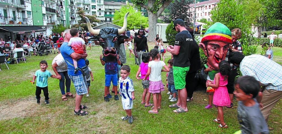 Con San Juan, fiestas en Otegi Enea