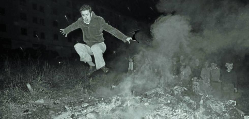Goizaldi cumplía 25 años bailando alrededor del árbol