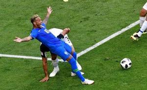 El VAR deja en evidencia a Neymar y anula por primera vez un penalti señalado por el árbitro