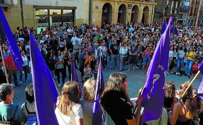 Protesta ante el juzgado de paz