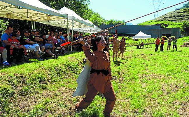 Zestoa vivió la magia de la Prehistoria en el IX Ekainfest