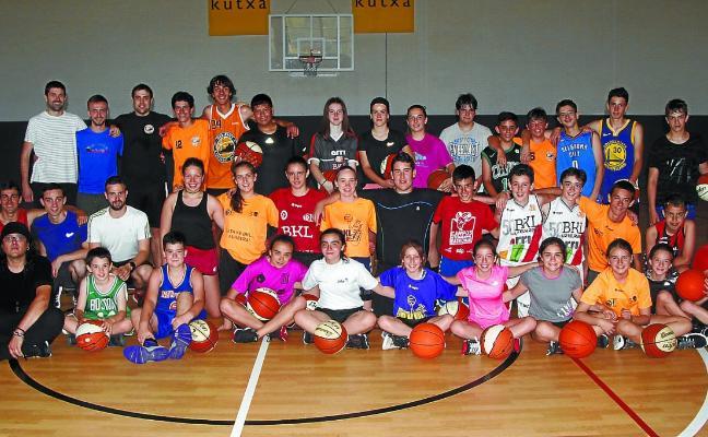 Un campus donde aprender lecciones de basket