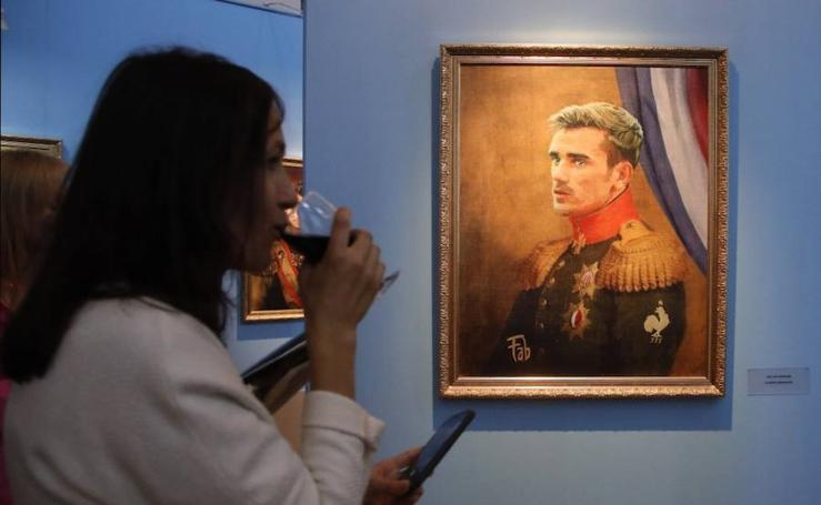 Astros del fútbol en el museo de San Petersburgo