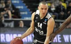 El baloncesto vasco reconoce la trayectoria de Javi Salgado y Ricardo Uriz