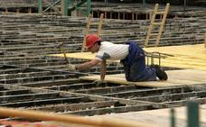 Subir el salario mínimo por convenio a 1.000 euros conllevará alzas de hasta un 38%