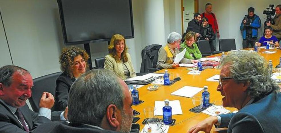 Confebask, CC OO y UGT rebajan su enfrentamiento e intentan recomponer el Diálogo Social en Euskadi
