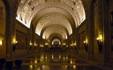 El Gobierno comunica a la Iglesia y la familia la exhumación de Franco