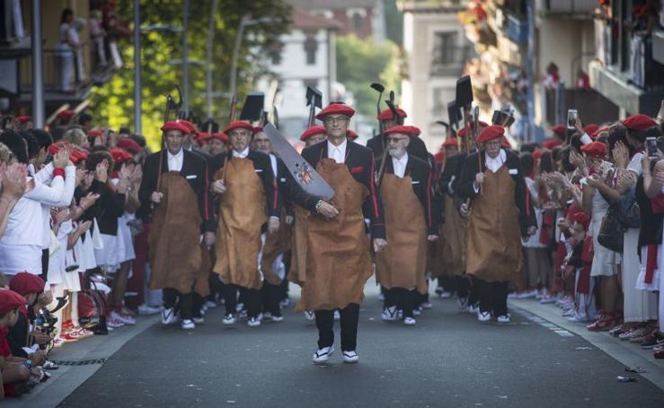 El Alarde tradicional toma las calles de Irun