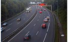 Finalizan las retenciones en la GI-20, a la altura de Donostia, por la colisión de tres vehículos