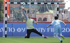 Jorge Campos: «No sé qué pasó para que Casillas no viniese al Mundial»