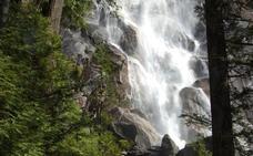 Mueren tres 'youtubers' sobre viajes tras caer por unas cataratas en Canadá