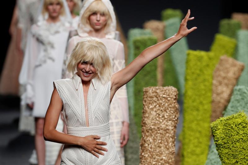 La moda española brilla gracias a Teresa Helbig y Pedro del Hierro