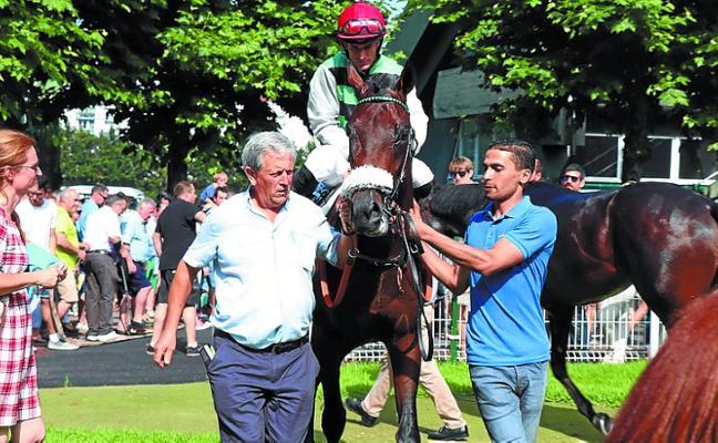 La local Eva Imaz inició la temporada de verano con una victoria de Belle Epoque con 'Eluan' (Fayos)