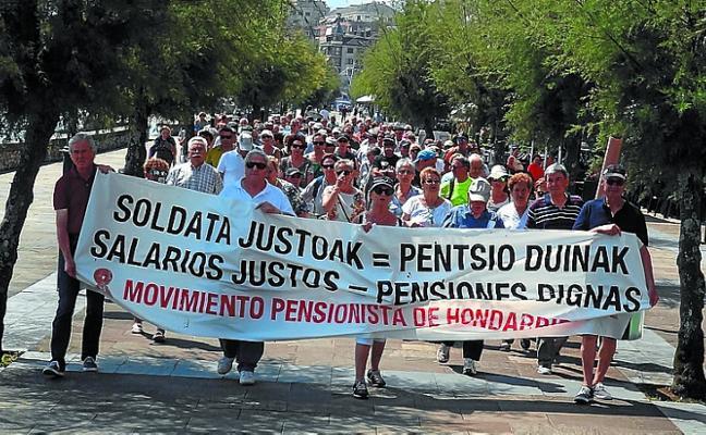Los pensionistas mantienen las concentraciones en verano