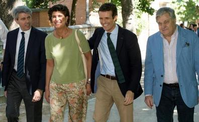 Casado acentúa el perfil aznarista de su candidatura con el fichaje de San Gil