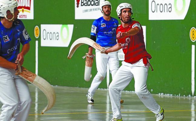 Barrenetxea, junto a Juanenea, en la final del Torneo San Fermín de remonte