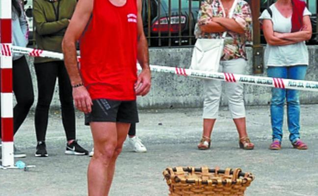 Campeonato de recogida de mazorcas en Elizondo