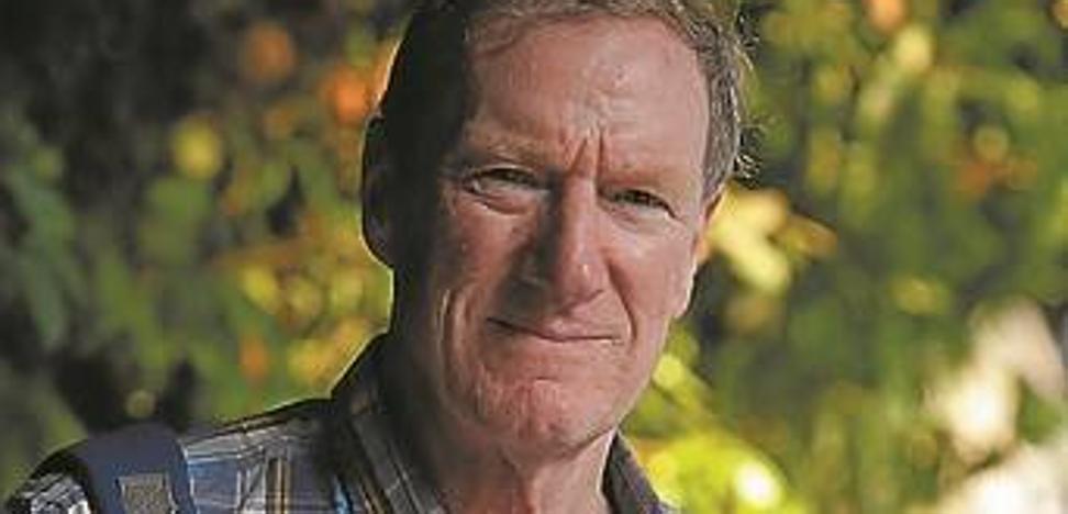 Michael Keating: «No se puede imponer la mayoría de un 51% de la población»