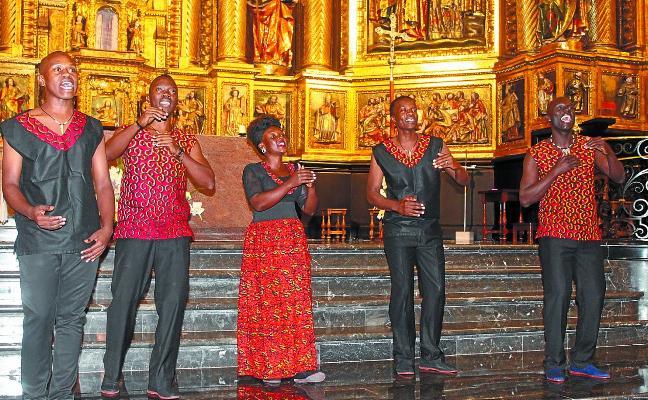 El concierto solidario de Aba Taano reunió a los vecinos en la parroquia
