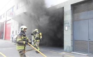 Un hombre de 73 años fallece en el incendio de un garaje en Leioa