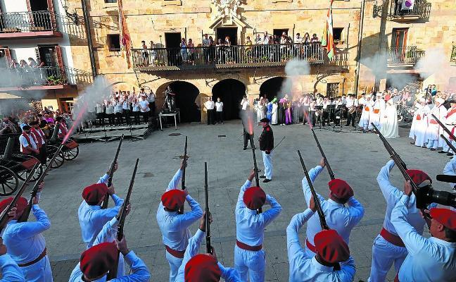 El Alarde del Moro, una tradición adaptada a los nuevos tiempos