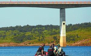 Buscan a un vecino de Beasain tras saltar de un puente de 30 metros en Salamanca