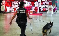 Olfato canino antidroga en San Fermín