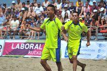 Fútbol playero en la Zurriola