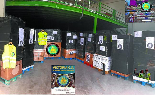 Una decena de palets con productos básicos viajará de Gipuzkoa a Atenas