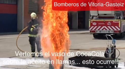 Peligroso bulo sobre apagar un incendio en la cocina con Coca-Cola