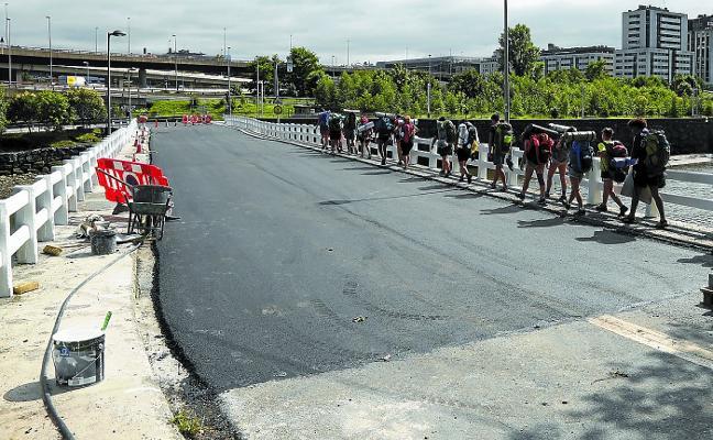 El cierre del puente de Astiñene ha supuesto para Dbus un sobrecoste de 330.000 euros