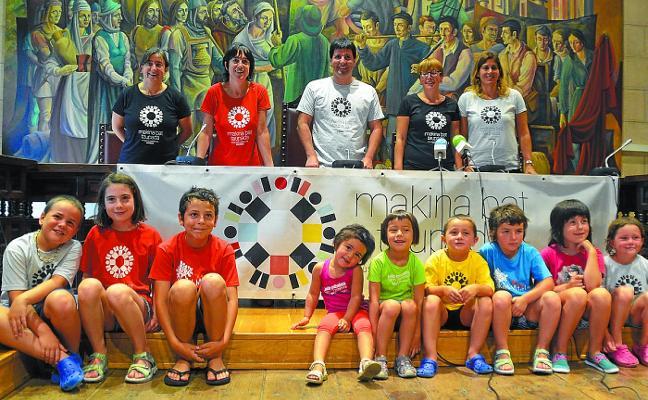 'Makina Bat Taupada' es el lema de la fiesta de la Escuela Pública Vasca