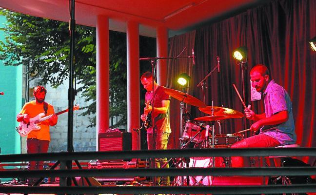 El quiosco de los Tilos se rinde a la música de jazz
