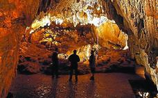 Este sábado se celebra la cuarta edición del Día de la Cueva de Ikaburu en Urdazubi
