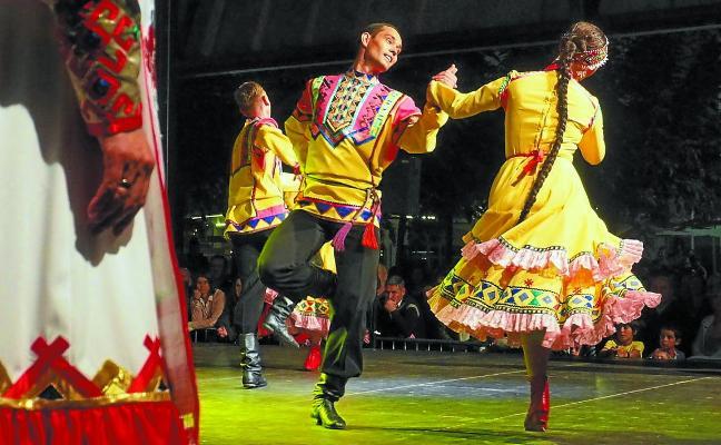 El folklore de Kenia, Siberia y Euskadi tomará mañana Maala