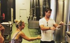 Chris Hemsworth y Elsa Pataky, locos por el txakoli