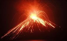 Erupción del volcán Anak Krakatau